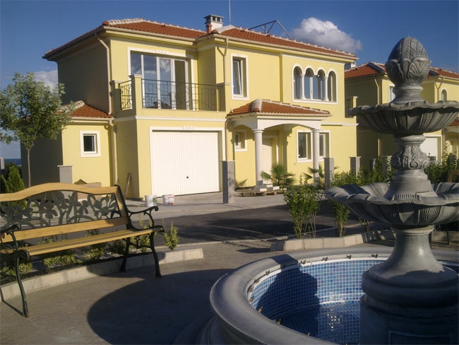 villas and apartments in Pomorie